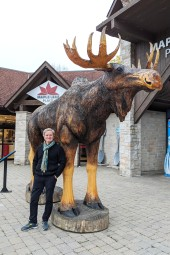 World's Biggest Carved Moose
